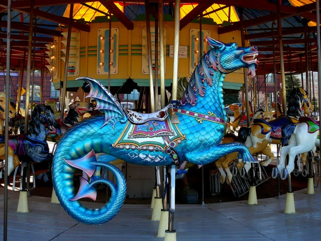 Sea Dragons and prancing horses glide on the Carousel at the National Mall/© F Delventhal/Flickr