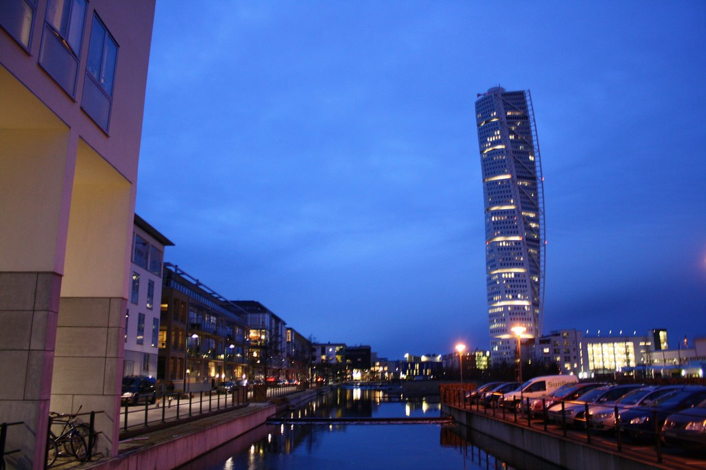 The Story Behind Malmos Turning Torso The Worlds First