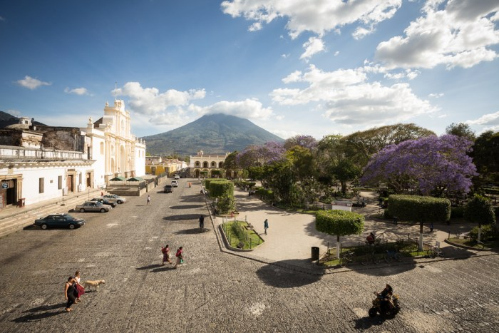 Antigua, Guatemala | © Olivier Tabary/Shutterstock