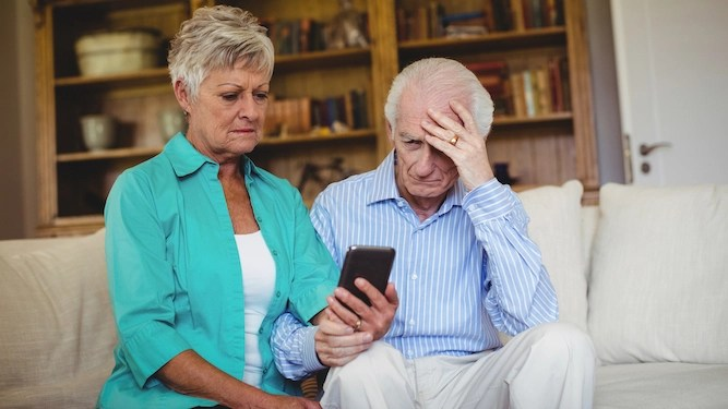 How to survive your elderly parents getting a new phone
