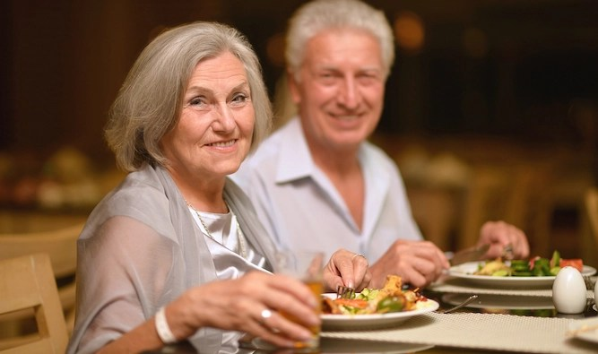 Your parents' guide to being a pain in the arse while eating out