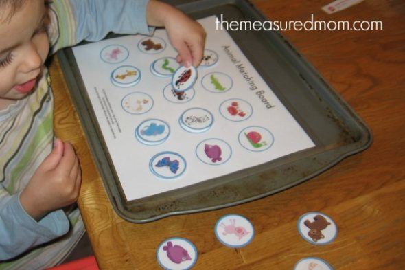 Printable Free Matching Activities for Toddlers   The Measured Mom matching activity 9