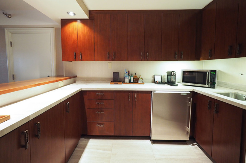 The kitchen was large and had all the basic amenities.