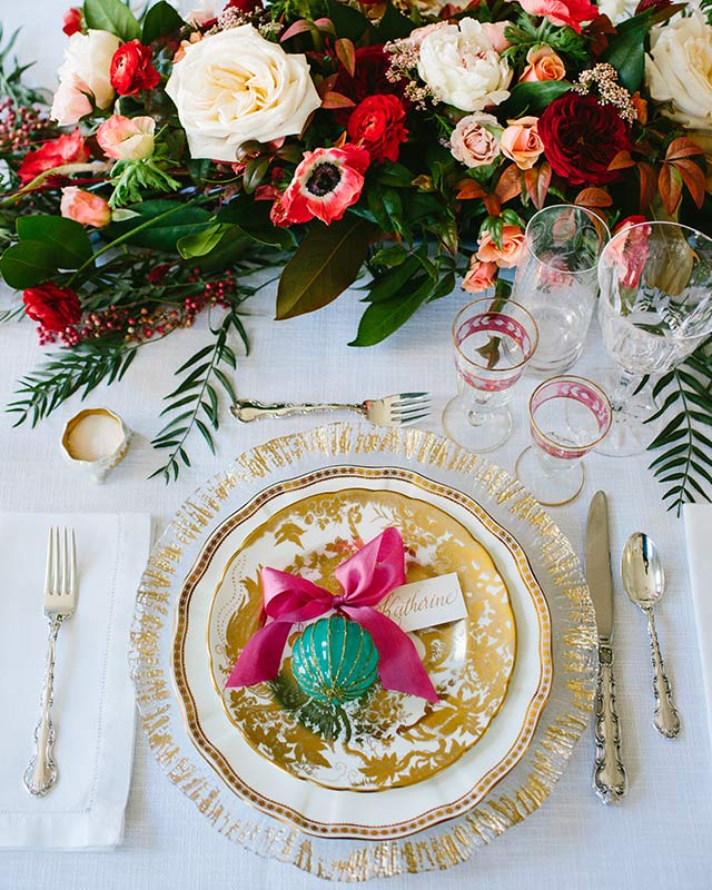 holiday table setting inspiration for