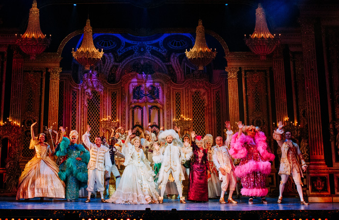 Cinderella Review At Hull New Theatre A Charming