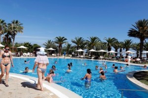 Russian tourists are pictured beside a swimming pool at the Steigenberger Kantaoui Bay resort, previously Imperial Marhaba hotel, in Sousse, Tunisia, September 29, 2017. Credit: Reuters/Zoubeir Souissi