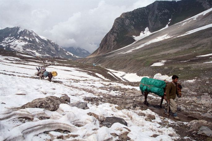 The dry and relatively warmer winter in Jammu and Kashmir has the entire region worried. Credit: Reuters
