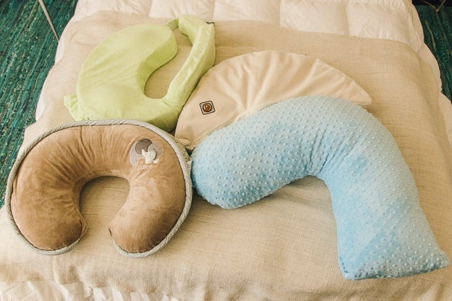 the best nursing pillows reviews by