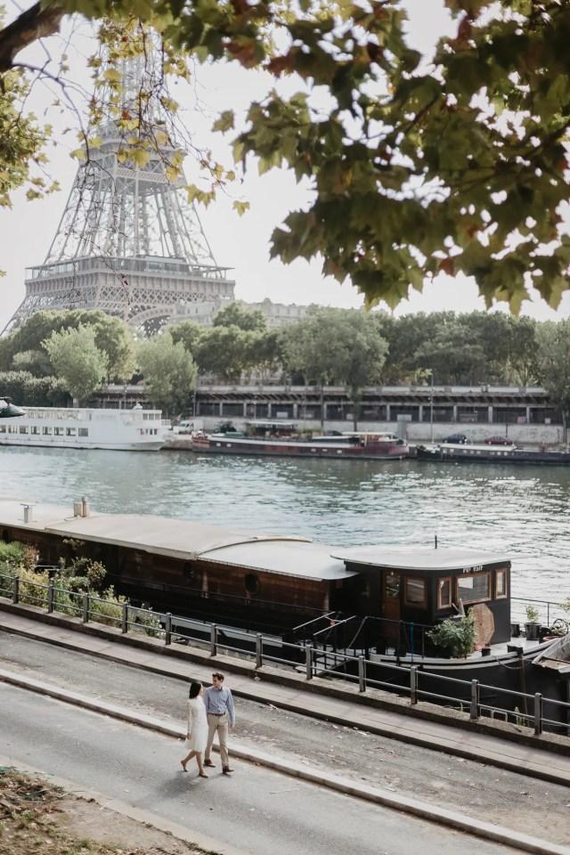 Engagement photos in Paris Eiffel Tower - Bir Hakeim bridge