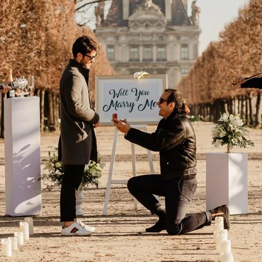 Paris surprise proposal photographer
