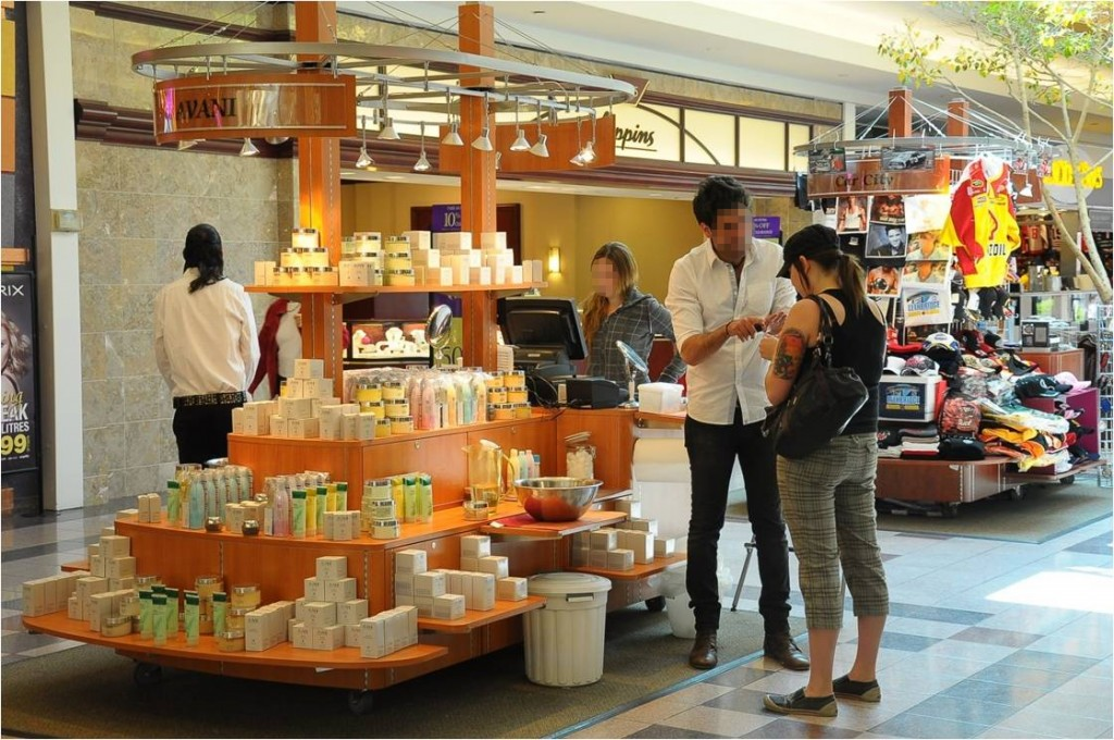 Israelis Risk Permanent Ban To Work At US Malls The