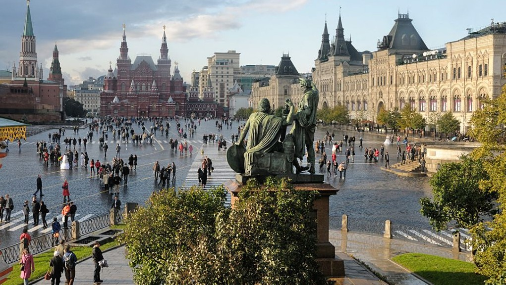 A view across Red Square (photo credit: Christophe Meneboeuf)