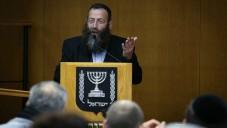 Baruch Marzel lors d'une session du comité central des élections de la Knesset, le 12 février 2015 (Crédit : Hadas Parush / Flash90)