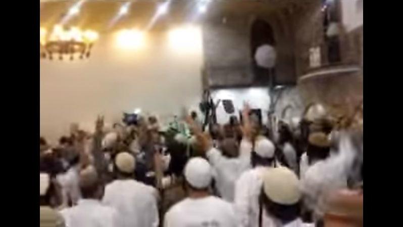 Captura de pantalla de un vídeo que muestra extremistas boda asistentes judíos israelíes que celebraban la muerte de la familia Dawabsha. (captura de pantalla: Canal 10)