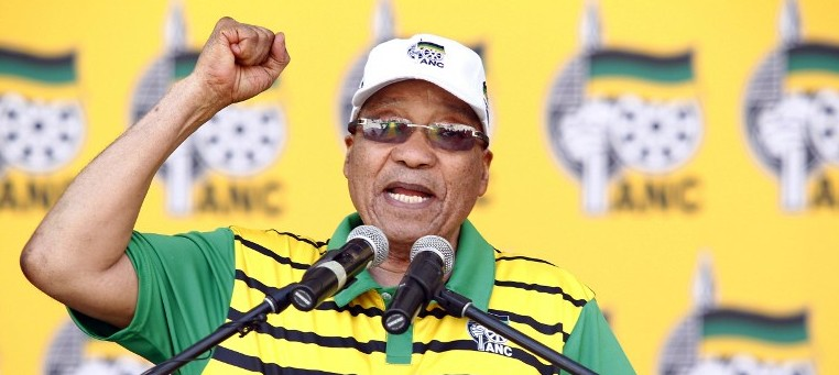 South African president and African National Congress (ANC)'s president Jacob Zuma delivers a speech during the Party official launch of the Municipal Elections manifesto in Port Elizabeth, South Africa, April 16, 2016. (AFP/Michael Sheehan)