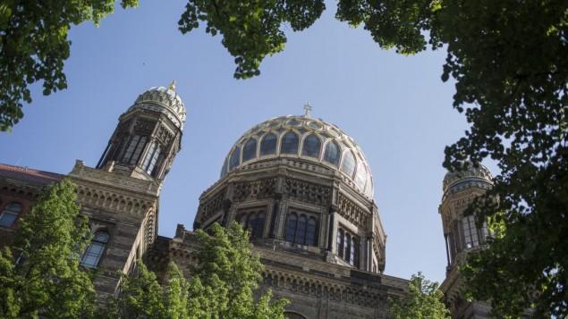 La grande synagogue de Berlin, en mai 2016. (Crédit : Hadas Parush/Flash90)