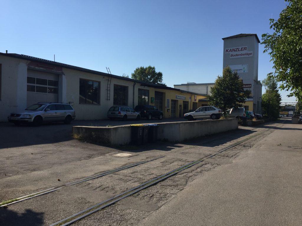 Una fábrica en Unterschleissheim, construido en el lugar donde trabajadores esclavos judíos y otros trabajaron con el lino durante el Holocausto.  (Noah Lederman / Times of Israel)