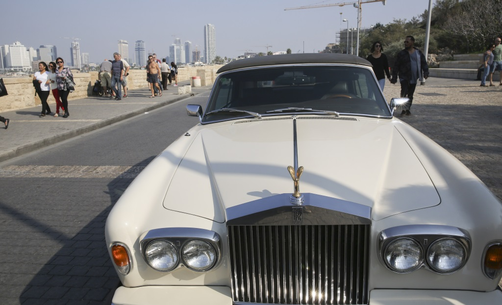 A Rolls Royce car parked at the Tel Aviv-Jaffa Port, on November 15, 2014. (Nati SHohat/FLASH90)