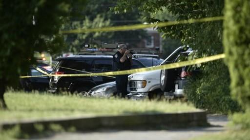 Police tape cordons off the scene of an early morning shooting in Alexandria, Virginia, June 14, 2017. (AFP PHOTO / Brendan Smialowski)