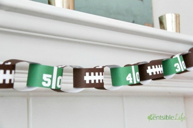 game day paper chain