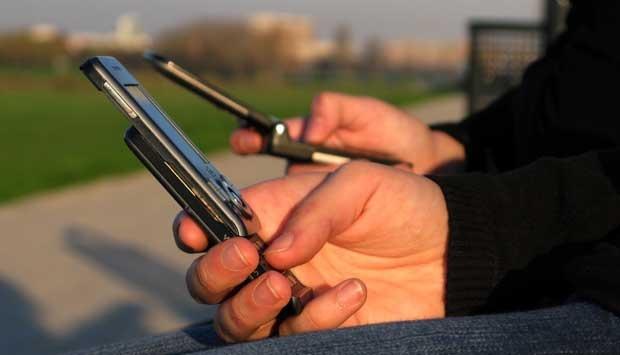 Ke Rusia, Parlemen Denmark Tinggalkan Telepon Seluler dan Laptop