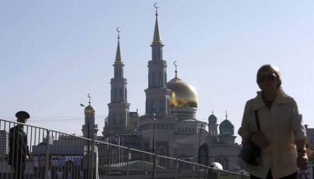 Ketika Putin Melihat Bung Karno di Masjid Terbesar Eropa