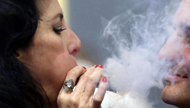 AS Batasi Kadar Nikotin, Saham Produsen Rokok Terimbas