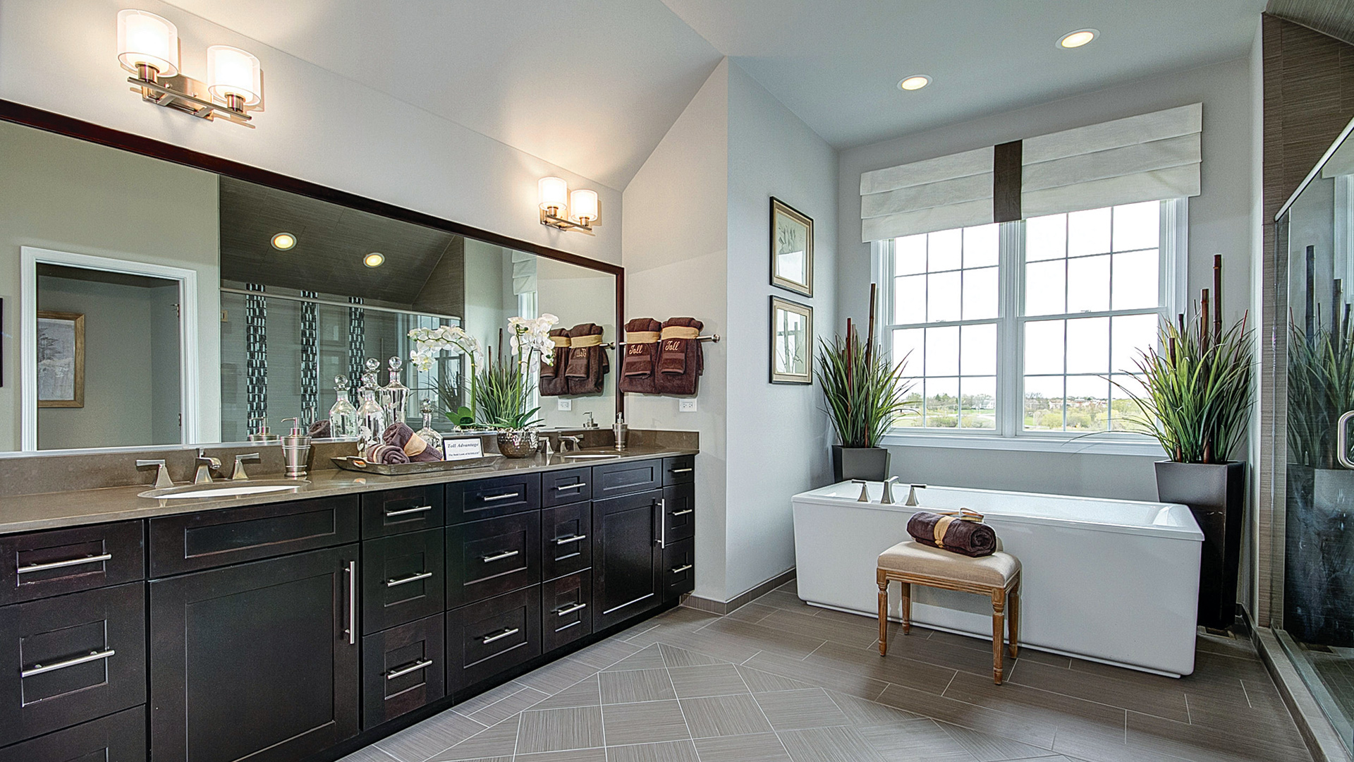 Kitchen Inspiration Gallery | Toll Brothers® Luxury Homes on Model Bathroom Ideas  id=70078