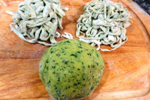 健康的菠菜麵團。(圖片提供/陳秉文)