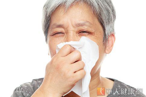 中醫師陳玫妃表示,老人的脾、肺功能本來就較青壯年弱,只要飲食上稍不留心就很容易引起咳疾、生痰的狀況發生。