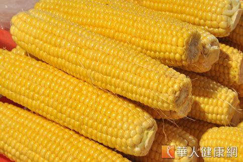 黃色食物如玉米,有助於增強胃腸功能,補充荷爾蒙,調節內分泌。(圖片/本網站資料照片)
