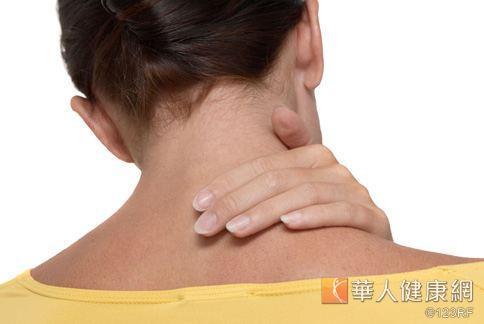 冬季乾癬保養有三步驟,主要包括:保濕、止癢、避免抓傷。