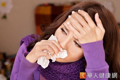 頭痛成因很多,鼻竇炎也有可能會造成頭痛。
