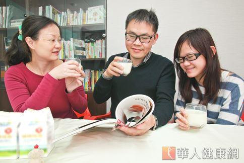 喝低溫殺菌鮮乳好處多,仍然需要搭配均衡的飲食、適度的運動、規律的生活,以及避免攝取過量咖啡或抽菸,才能擁有健康。