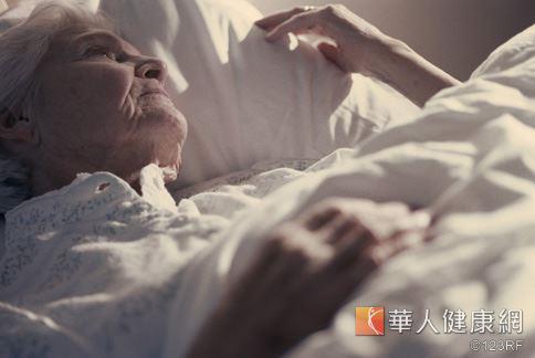罹患血癌,尤其年紀越大預後越差,根治機率相對減少。