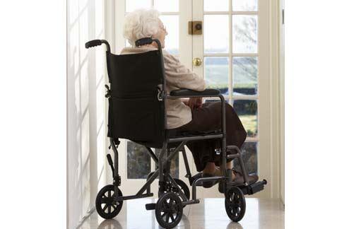 類風濕關節炎好發於30-50歲,尤其是中年女性。