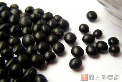 韓國流行「吃黑豆減肥法」,讓黑豆價格水漲船高。(圖片/華人健康網資料照片)