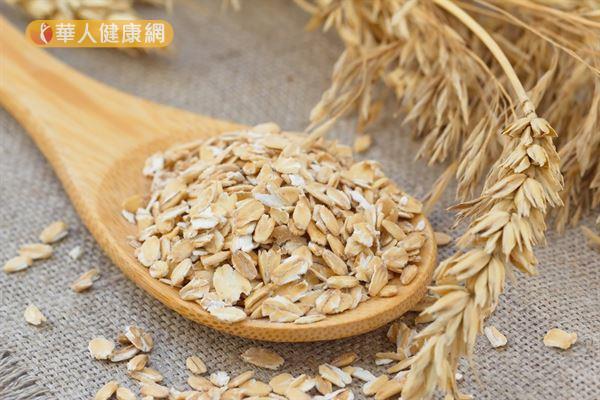 燕麥含有豐富又多元的營養素,對於人體健康的好處多多。