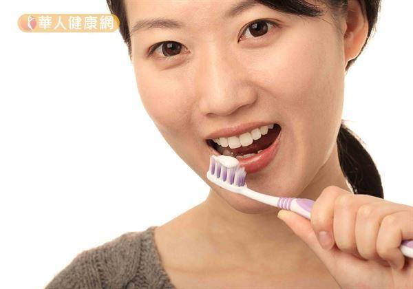 多數人都曾有過牙齦出血、紅腫等牙周病前兆。