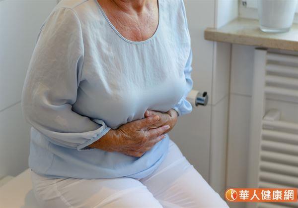 脂肪肉瘤常生長在腔內,讓患者常有腹痛與噁心等症狀。