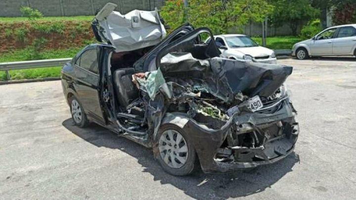 Cantor sertanejo morre em batida entre carro e caminhão