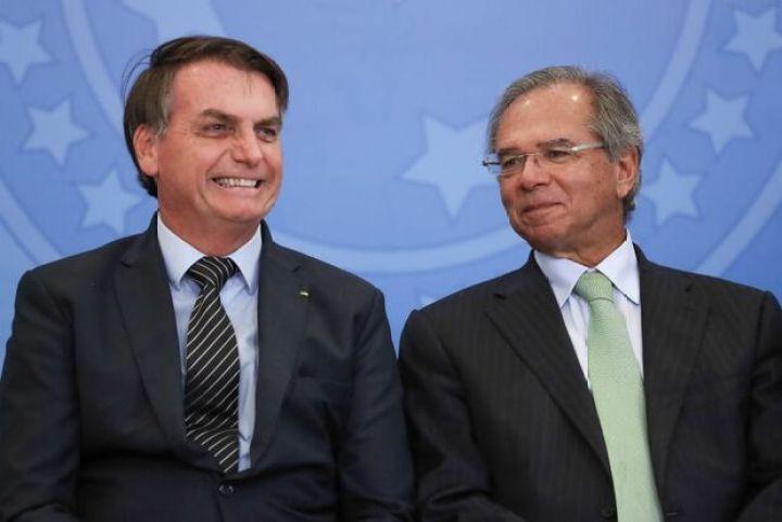 RASPANDO O TACHO: Bolsonaro confirma mais duas parcelas de '600tão'