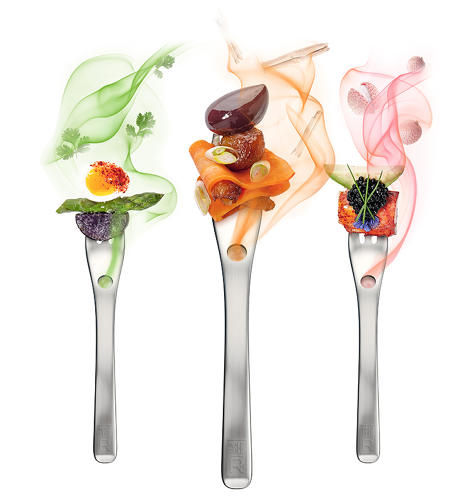 Aroma fork, using aromatic smokes to enhance flavours