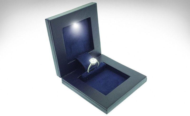 Discreet Engagement Ring Boxes : Engagement Ring Box