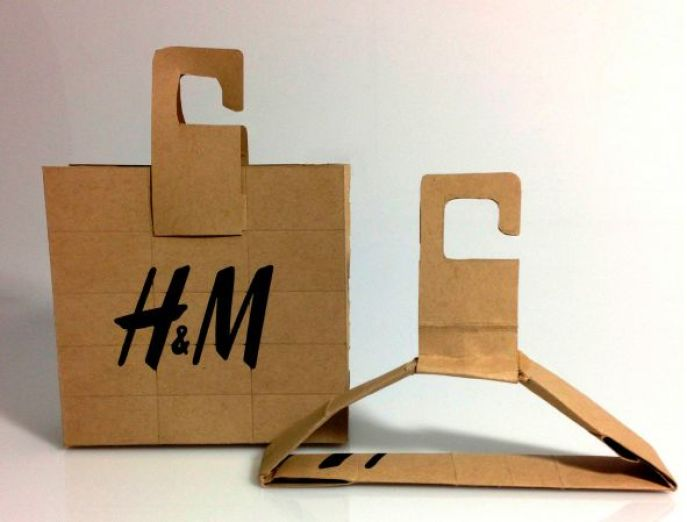 example of H&M sustainable packaging design.