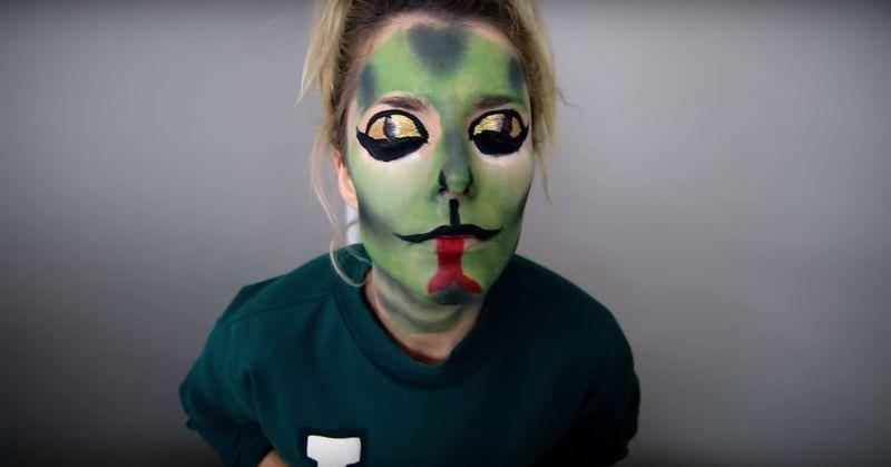 Celebrity Feud Face Makeup Snake