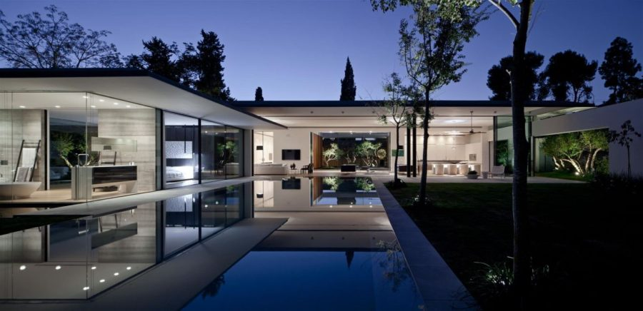 Stunning Modern Glass Houses That Beling in the Storybooks on Modern Glass House Design  id=52920