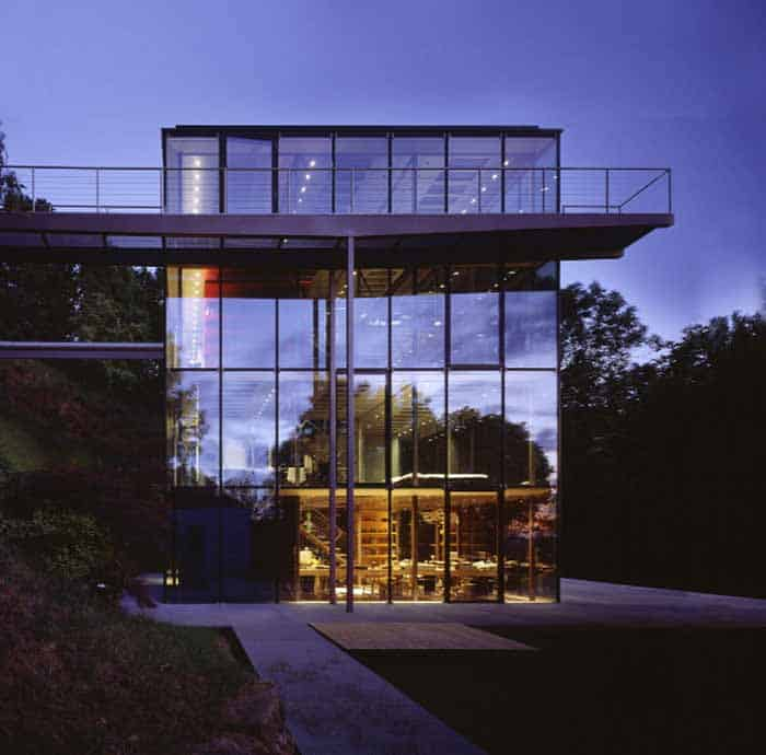 Stunning Modern Glass Houses That Beling in the Storybooks on Modern Glass House Designs  id=95231