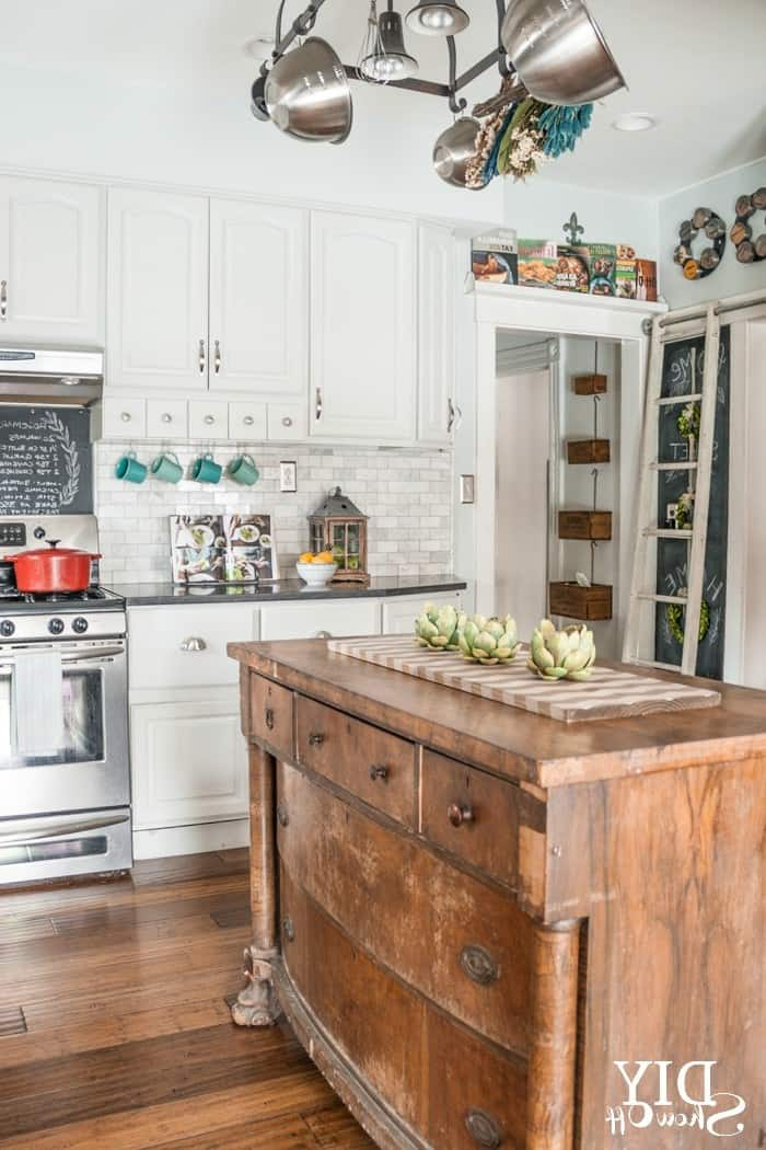 36 Modern Farmhouse Kitchens That Fuse Two Styles Perfectly on Modern Kitchen Decorations  id=22208