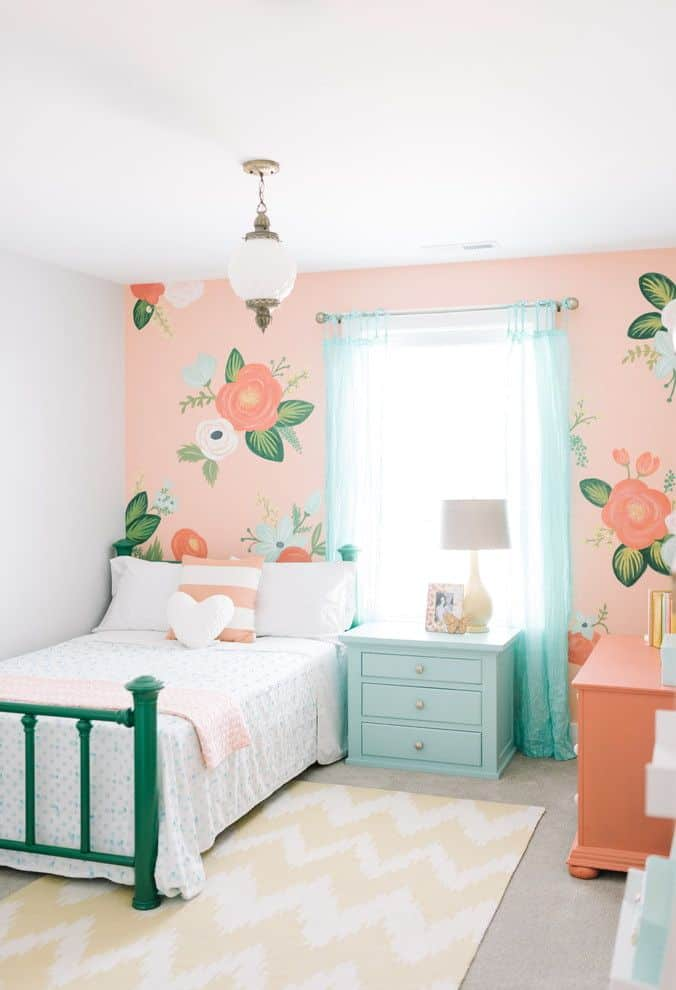 Modern Bedroom Designs for Girls on Girls Bedroom Ideas For Small Rooms  id=84367